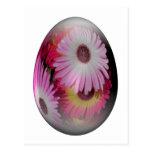 huevo de Pascua con las flores llamativas Tarjetas Postales