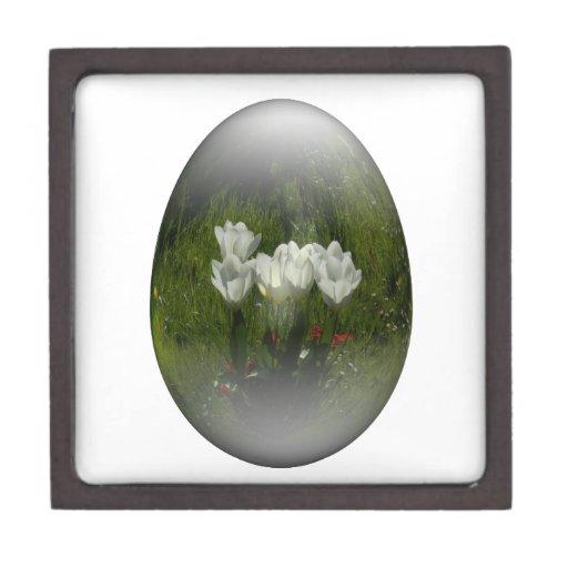 huevo de Pascua con los tulipanes blancos Caja De Recuerdo De Calidad