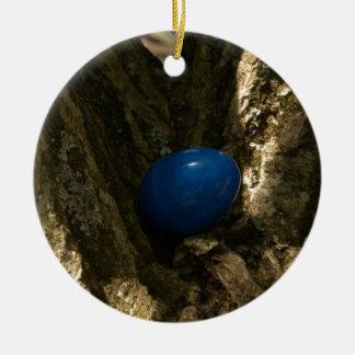 huevo de Pascua en un árbol para la caza del huevo Adorno Navideño Redondo De Cerámica
