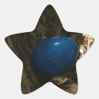 huevo de Pascua en un árbol para la caza del huevo Pegatina En Forma De Estrella