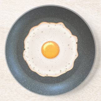 Huevo frito en la cacerola - práctico de costa de posavasos manualidades