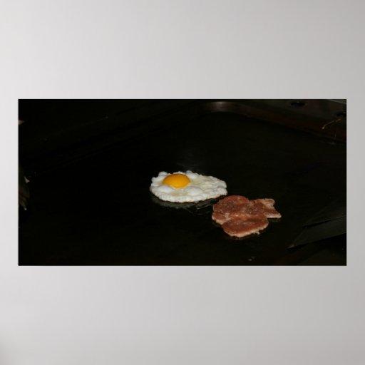 Huevo frito y hamburguesa en la parada de calle, T Impresiones