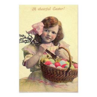 Huevo pintado cesta de Pascua del chica del Victor Fotografia