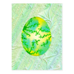 Huevo pintado verde y amarillo tarjeta postal