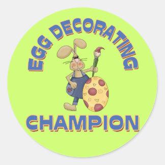 Huevo que adorna al campeón etiquetas redondas
