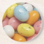 Huevos de Pascua coloreados manchados de la haba d Posavaso Para Bebida