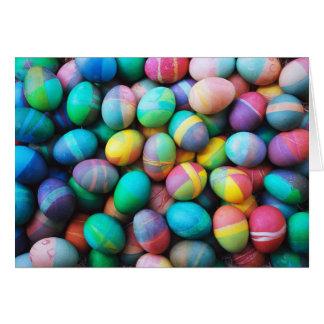 Huevos de Pascua coloridos - tarjeta