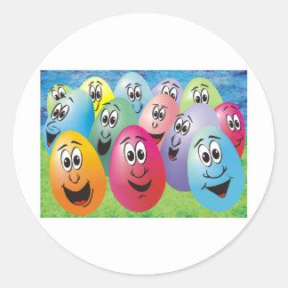 Huevos de Pascua con las caras Pegatina Redonda