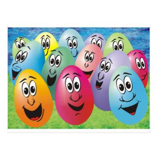 Huevos de Pascua con las caras Postales