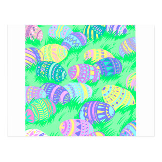 Huevos de Pascua en colores pastel en hierba Postales