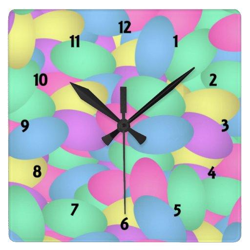 Huevos de Pascua en colores pastel Reloj De Pared