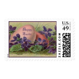 Huevos de Pascua entre las violetas - franqueo