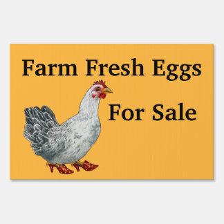 Huevos para la muestra de la yarda de la venta letreros
