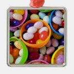 Huevos plásticos llenados de las habas de jalea ornamentos para reyes magos