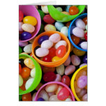 Huevos plásticos llenados de las habas de jalea felicitacion