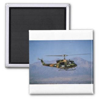 Huey gemelo UH-1N Imán De Nevera
