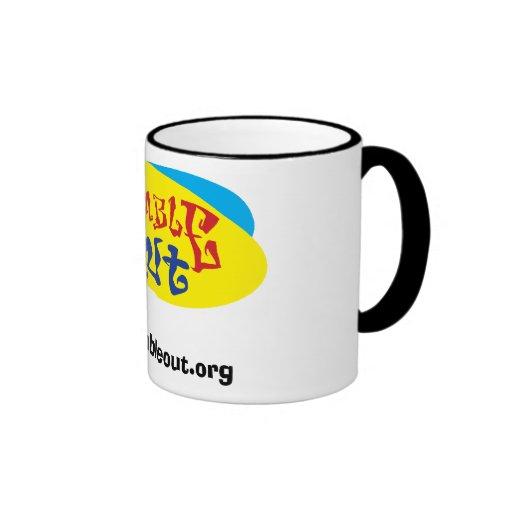 Humille hacia fuera la taza de Coffeee