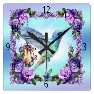 Humminbird y reloj de pared cuadrado color de rosa