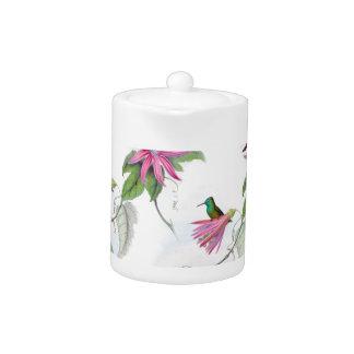Hummingbirds pattern teapot