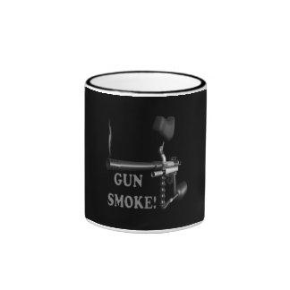Humo de arma taza de café
