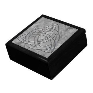 Humo de plata Triquetra Caja De Regalo