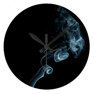 humo fresco reloj