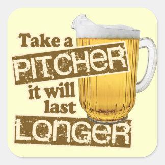 Humor de consumición de la cerveza divertida pegatina cuadrada