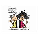 Humor de la actitud de los maridos y de las esposa tarjeta postal