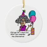 Humor de la alternativa del cumpleaños ornamento para reyes magos