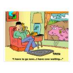 Humor de la vaca del dibujo animado de la granja postal