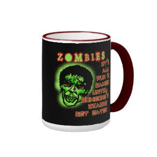 Humor de los zombis taza de dos colores