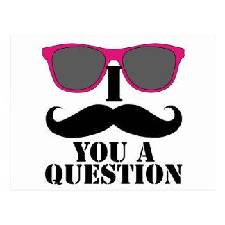 Humor del bigote con las gafas de sol rosadas tarjetas postales