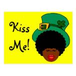 Humor del día de St Patrick: Béseme. ¡Soy irlandés Postal