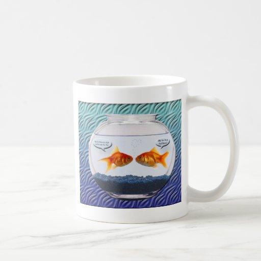 Humor del fishbowl del Goldfish Taza