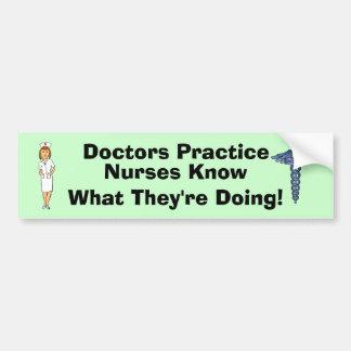 Humor del oficio de enfermera pegatina para auto