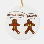 Humor del pan de jengibre adorno navideño redondo de cerámica