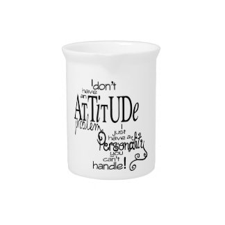 Humor del problema de la actitud jarra para bebida