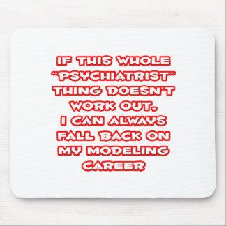 Humor del psiquiatra… que modela carrera tapete de ratones