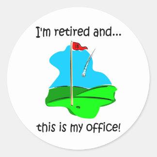 Humor del retiro para los golfistas pegatina redonda