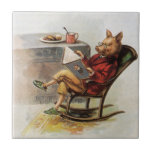 Humor del vintage, cerdo que lee un libro en meced tejas  cerámicas