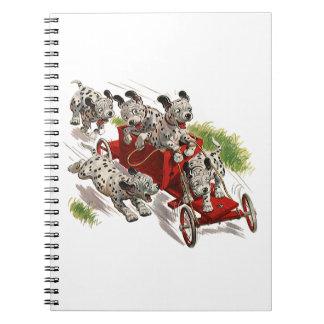 Humor del vintage, coche de bomberos dálmata de libreta