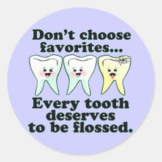 Humor dental divertido pegatina redonda