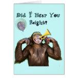 Humor divertido del chimpancé que consigue la tarj felicitaciones