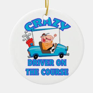 humor golfing de golf del conductor loco del carro adorno navideño redondo de cerámica