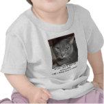 Humor ruso de la actitud del gato del gris azul camisetas