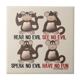 Humor sabio de los monos azulejo cuadrado pequeño