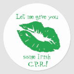 Humor verde del irlandés de la Beso-Diversión Pegatina Redonda
