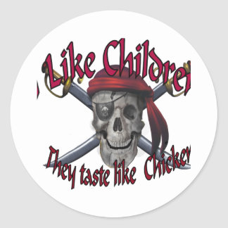 Humorus pirate skull on crossed sabers classic round sticker