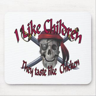 Humorus pirate skull on crossed sabers mouse pad