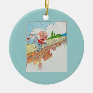Humpty Dumpty sentado en una pared Adorno Navideño Redondo De Cerámica